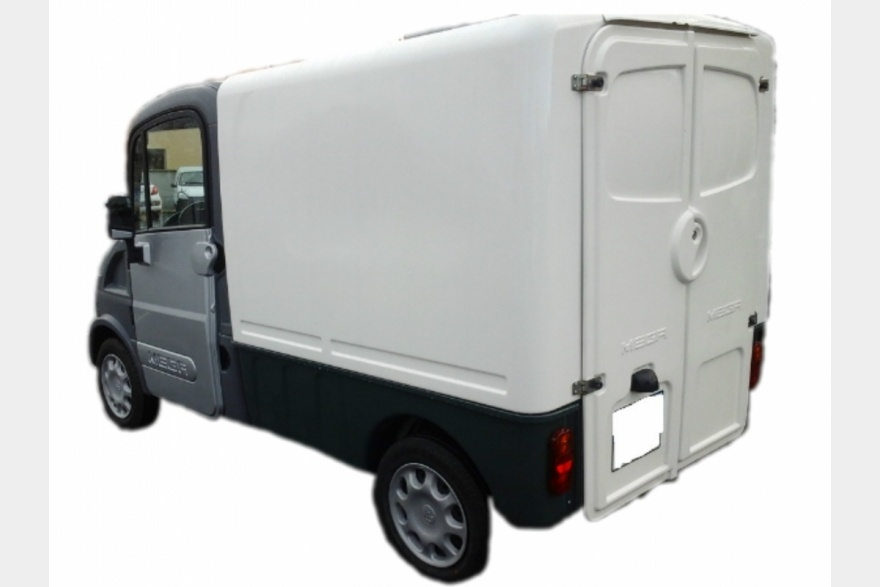 voiture sans permis occasion aixam mega adh laval. Black Bedroom Furniture Sets. Home Design Ideas